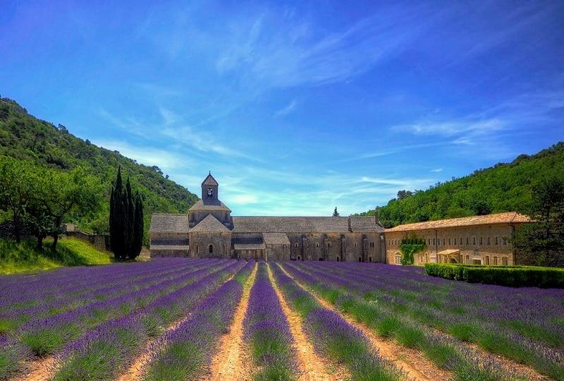 29-Старинное аббатство в Провансе, Франция