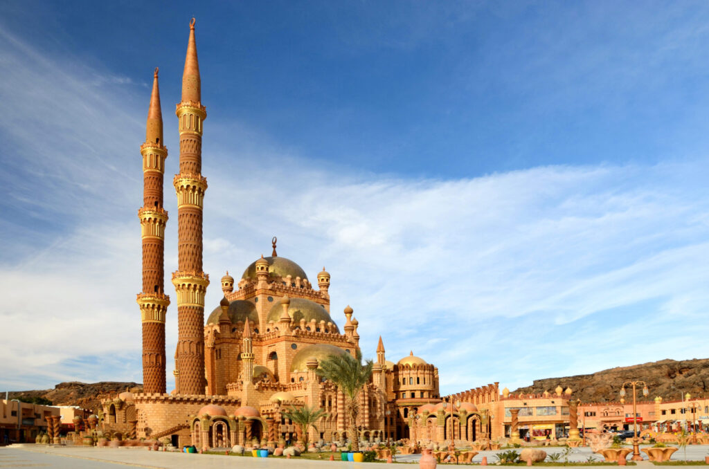 Egypt.-Sharm-El-Sheikh.-Mosque-in-the-Old-city